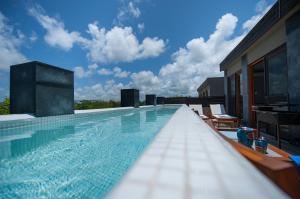 Private pool sunny delight!!