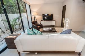 Amazing,  Private, Tulum Eco Yaxiik 2 bedroom Villa
